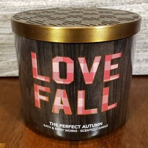Bath & Body Works Candle • The Perfect Autumn